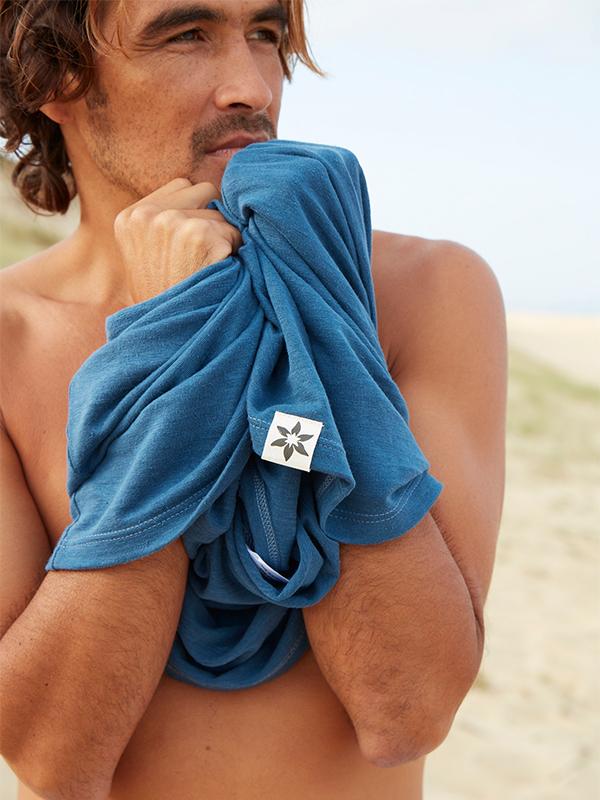nuntisunya-pure-nature-collection-100%-chanvre-tshirt-homme-textile-bleu-nimes-detail